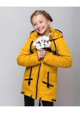 Весенняя куртка для девочки Значки