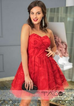 Коктейльное платье с узорами