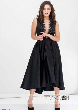 Атласное платье с объемной юбкой