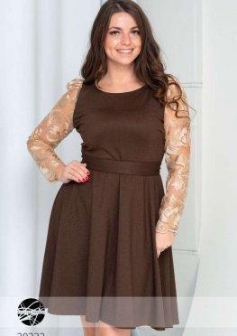 Платье свободного кроя с поясом