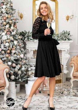 Платье с блестками и гипюром