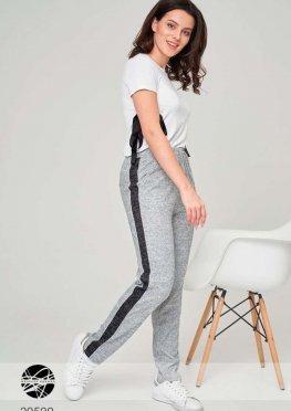Трикотажные брюки с контрастными вставками