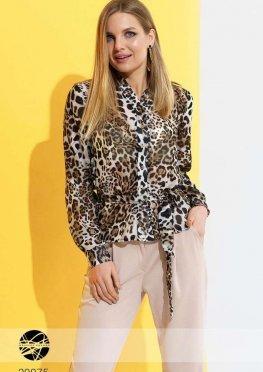 Блуза с анималистическим принтом и поясом