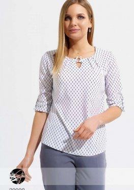 Блуза с вырезом-капелькой
