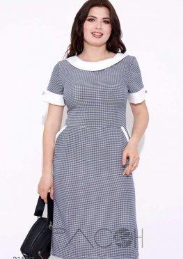 Платье с принтом в клетку и контрастной отделкой