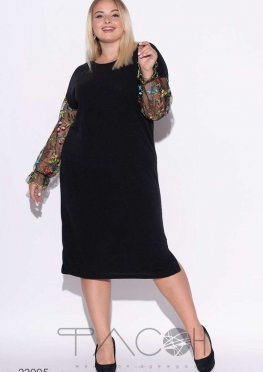 Свободное платье с сетчатыми рукавами с вышивкой