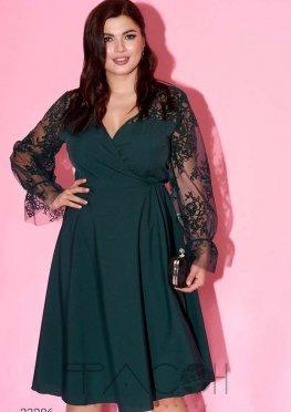 Платье с запахом и объёмными рукавами