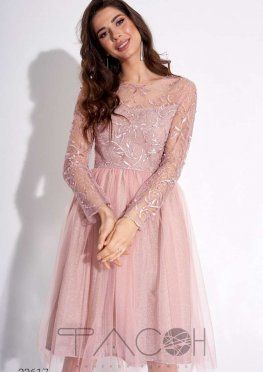 Платье с вышивкой и жемчугом
