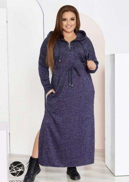 Ангоровое платье макси с капюшоном