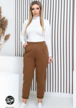 Джинсовые брюки в стиле милитари со складками
