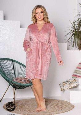Велюровый халат с накладными карманами