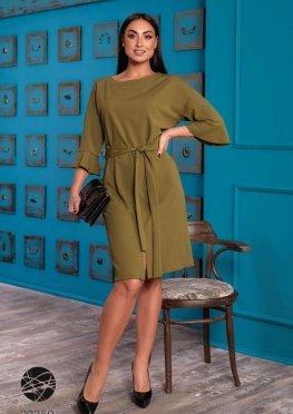 Платье с разрезом и поясом