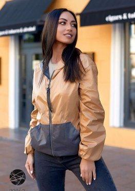 Двухсторонняя куртка с капюшоном