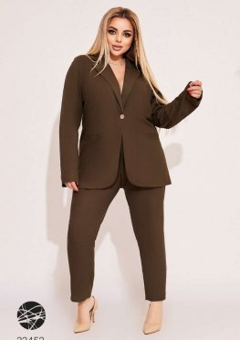 Льняной костюм из блейзера и брюк