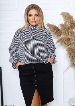 Блуза с принтом в полоску