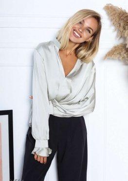 Шёлковая блуза с объёмными рукавами