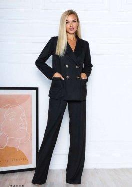 Замшевый костюм из двубортного блейзера и брюк-палаццо