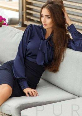 Классическая шелковая блуза