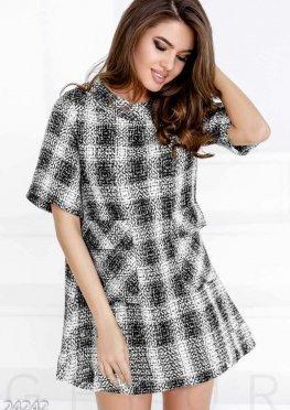 Короткое платье букле