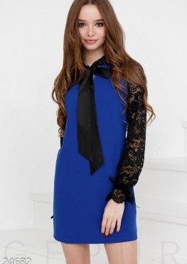 Трендовое платье-трапеция