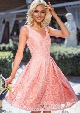 Праздничное гипюровое платье