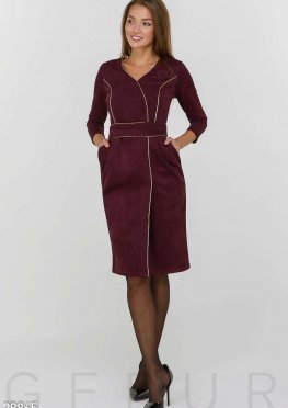 Замшевое платье-футляр