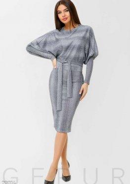 Трикотажное платье-реглан