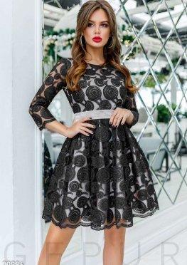 Воздушное платье с декором