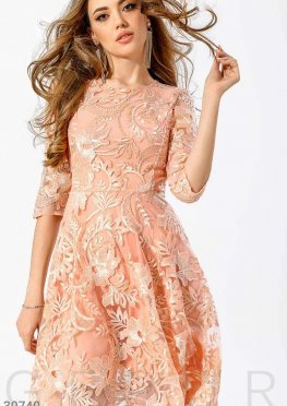 Вечернее вышитое платье