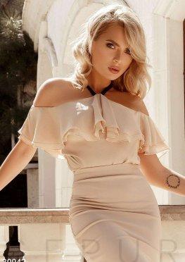 Блуза с невесомыми воланами