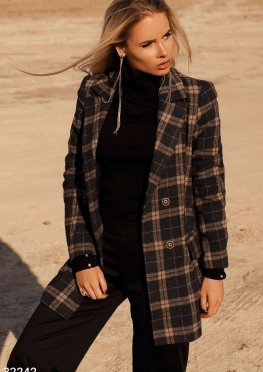 Двубортное короткое пальто