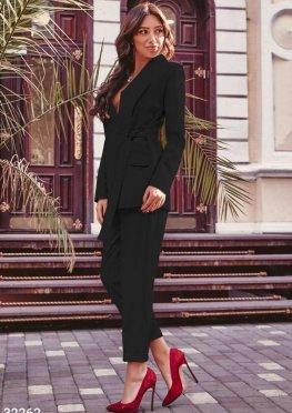 Классический черный костюм