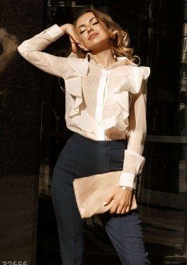 Блуза с невесомыми оборками