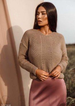 Теплый бежевый пуловер