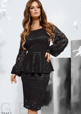 Кружевное платье со съемной баской