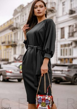 Платье-миди черного цвета