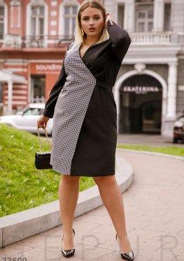 Приталенное комбинированное платье