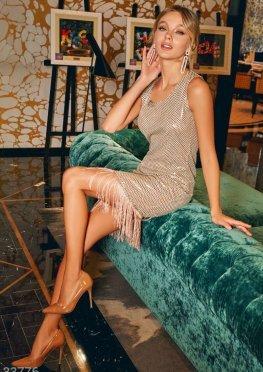 Мерцающее платье с бахромой