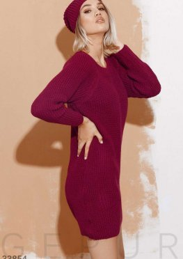 Платье с шапкой бордового цвета