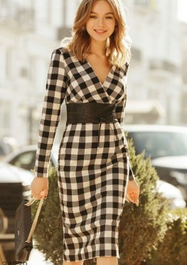 Клетчатое платье в стиле casual