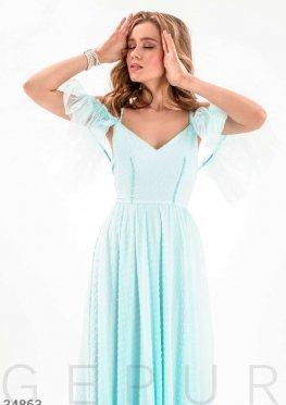 Воздушное платье голубого цвета