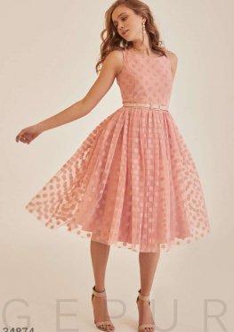 Романтичное платье пудрового оттенка