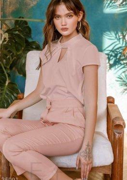 Утонченная блуза с чокером