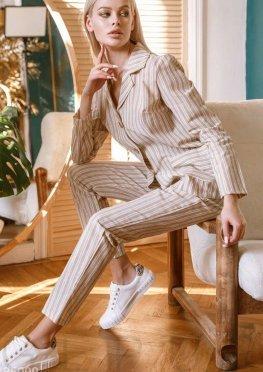 Комфортный льняной костюм