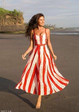 Двухцветное платье из гипюра