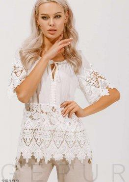 Льняная блуза с кружевом