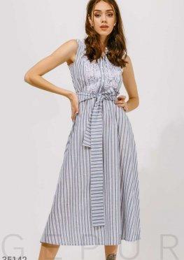Платье в широкую голубую полоску