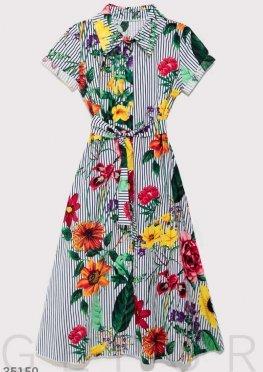 Платье в темно-синюю полоску с цветами