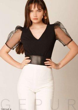 Блуза с прозрачным рукавом
