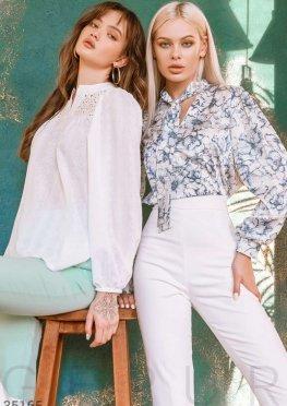 Трендовая блуза на завязках